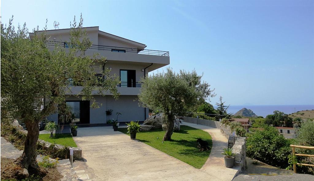 La casa del riccio oliveri prenotazione on line for Piani di casa da 5000 piedi quadrati