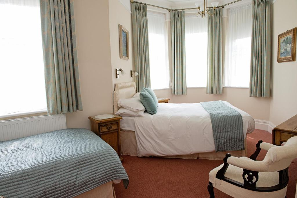 The Winter Dene  Bournemouth Reserva Tu Hotel Con. NH Vicenza. Glenelg Pacific Apartments. Hotel Francia Aguascalientes. Changbaishan Songlin Hotel. 23 Greengarden House. Sheraton Metechi Palace Hotel. Bluewater Point Resort. James Cottage Guest House
