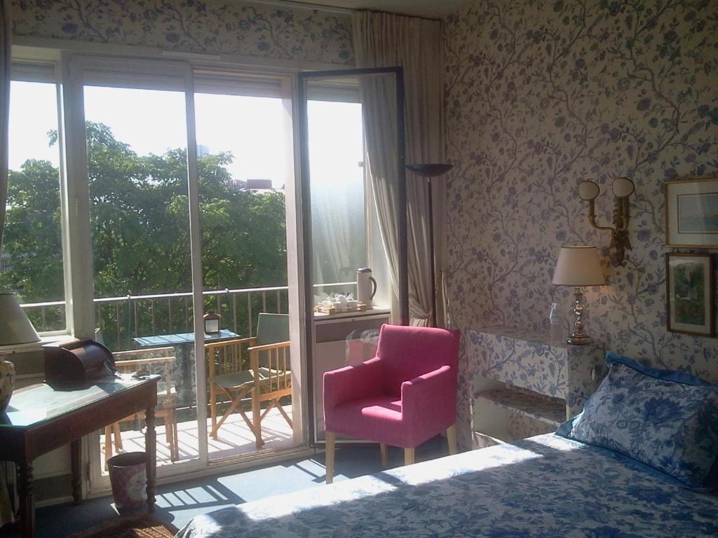 Chambres D Hotes Chez Berenice Bed Breakfast Neuilly Sur Seine
