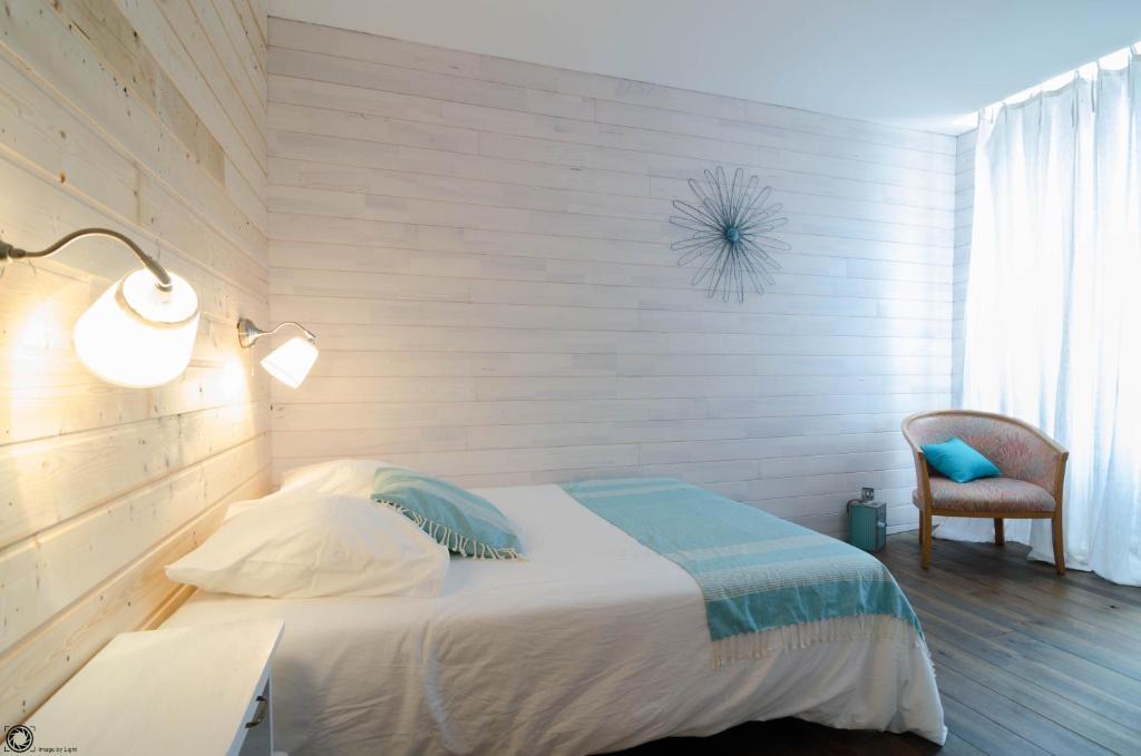 hotel de la gare bayona reserva tu hotel con viamichelin. Black Bedroom Furniture Sets. Home Design Ideas