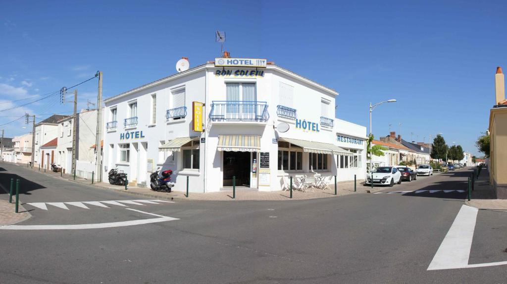 Hotel le bon soleil r servation gratuite sur viamichelin for Bon plan reservation hotel