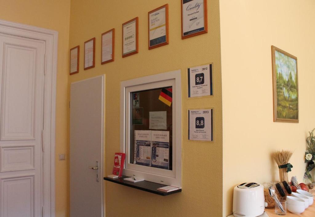 hotel pension fischer am kudamm r servation gratuite sur viamichelin. Black Bedroom Furniture Sets. Home Design Ideas