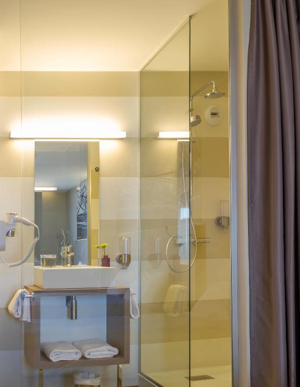inter hotel montpellier est ecoparc r servation gratuite sur viamichelin. Black Bedroom Furniture Sets. Home Design Ideas