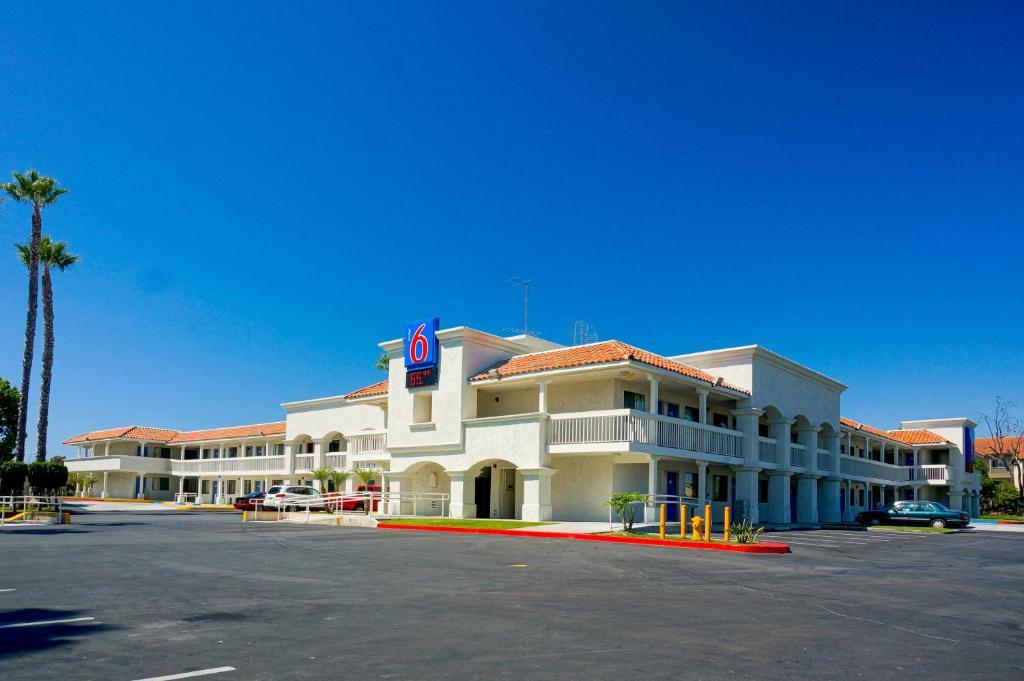 Motel  Carlsbad Beach