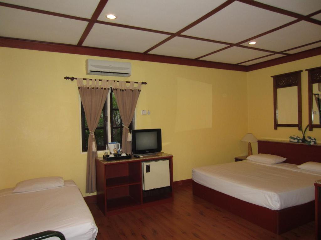 Sunset Beach Resort Holiday Residences Pantai Cenang