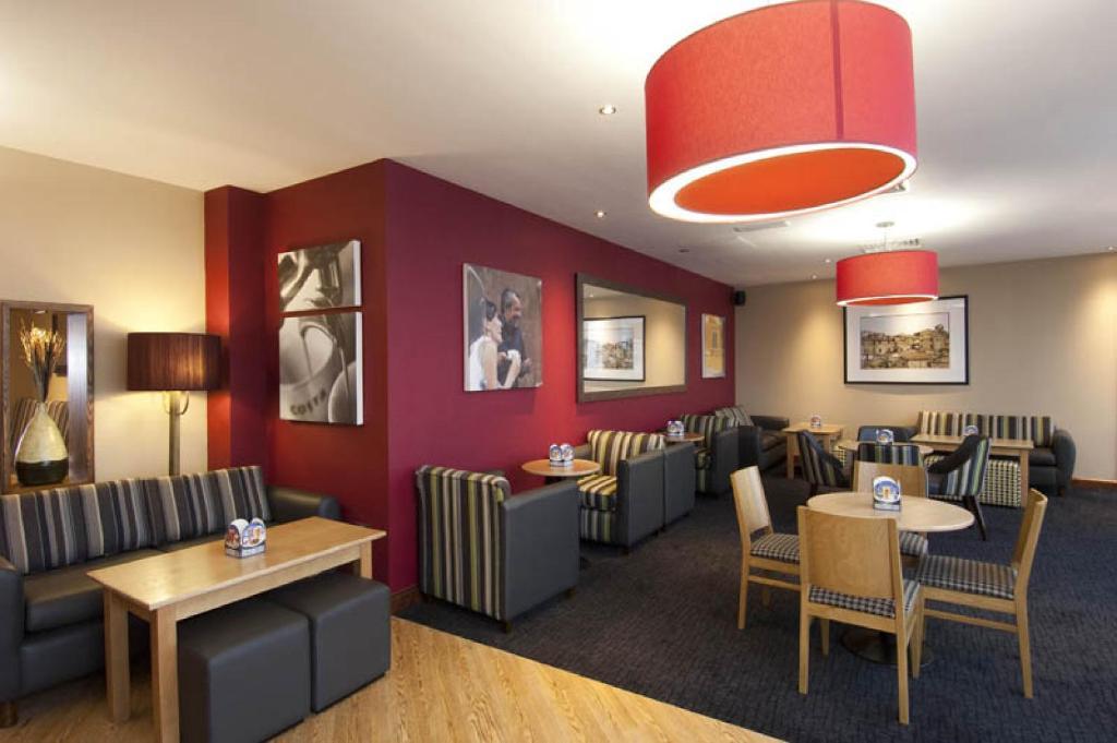 Premier Inn Restaurant Gatwick North