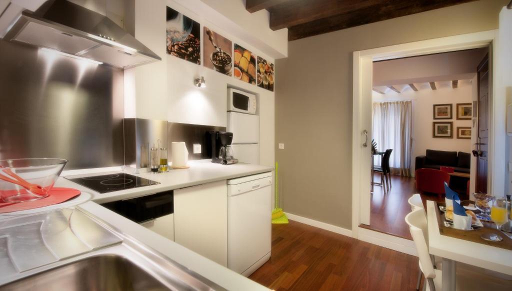 Apartamentos abad toledo toledo reserve o seu hotel com viamichelin - Apartamentos abad toledo ...