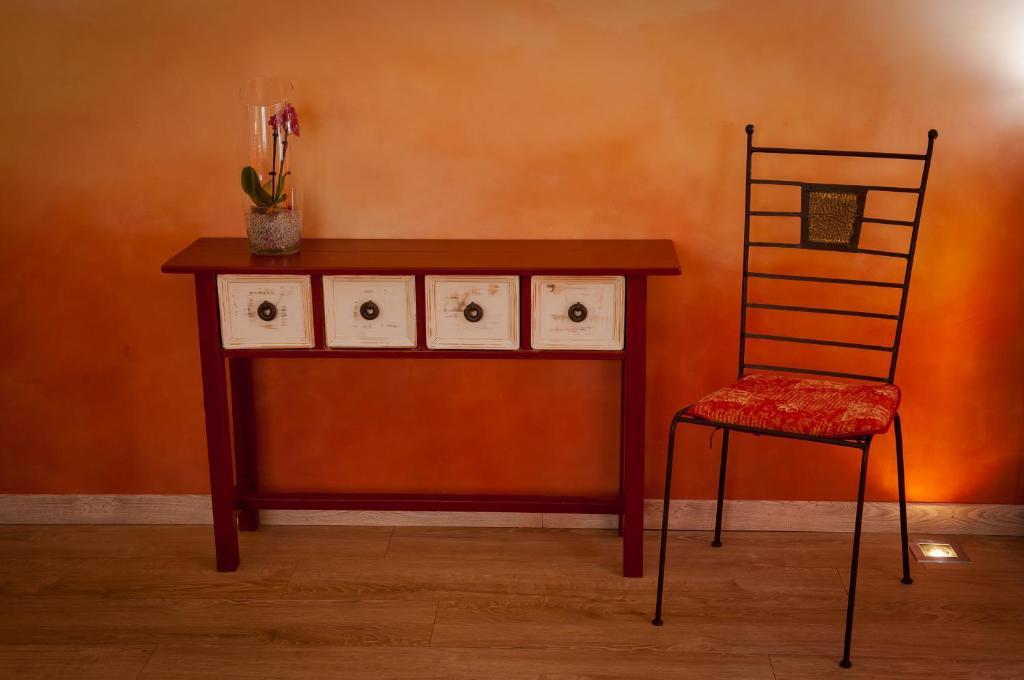 les 4 l ments maison d 39 h tes design vence viamichelin. Black Bedroom Furniture Sets. Home Design Ideas