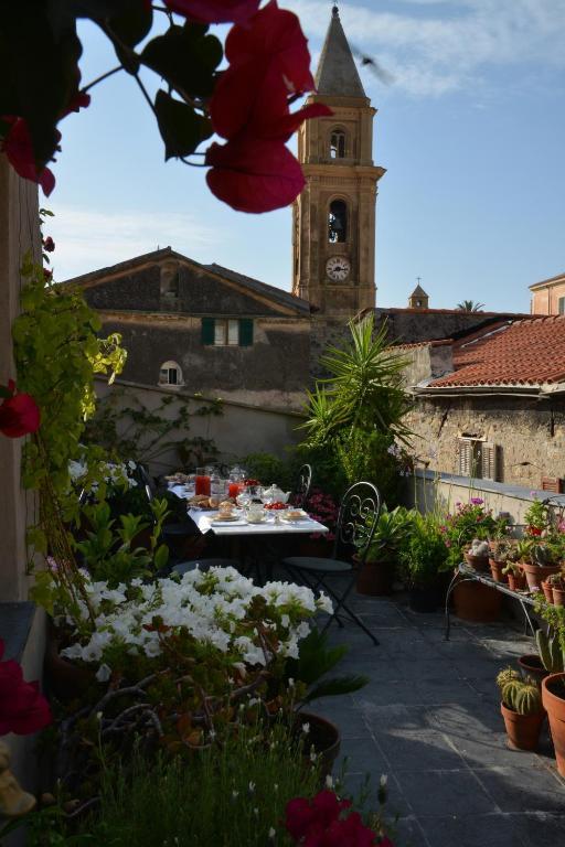 La Terrazza di Vico Olivi B&B, Gästezimmer Ventimiglia