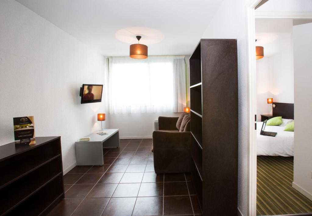 All suites bordeaux lac parc des expositions bordeaux for Appart hotel long sejour bordeaux