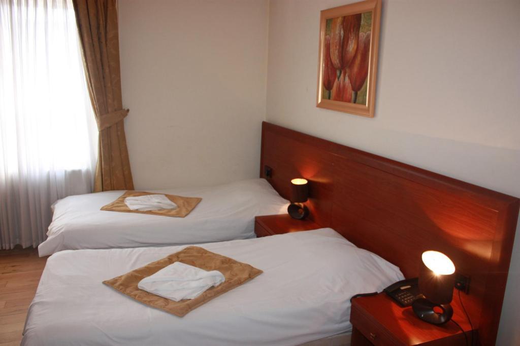 Corner House Hotel London Nw Aa
