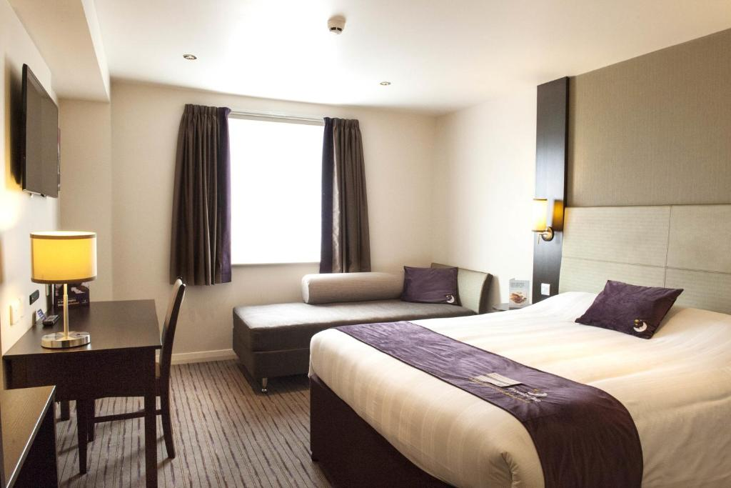 Is There A Phone In Premier Inn Hotel Rooms
