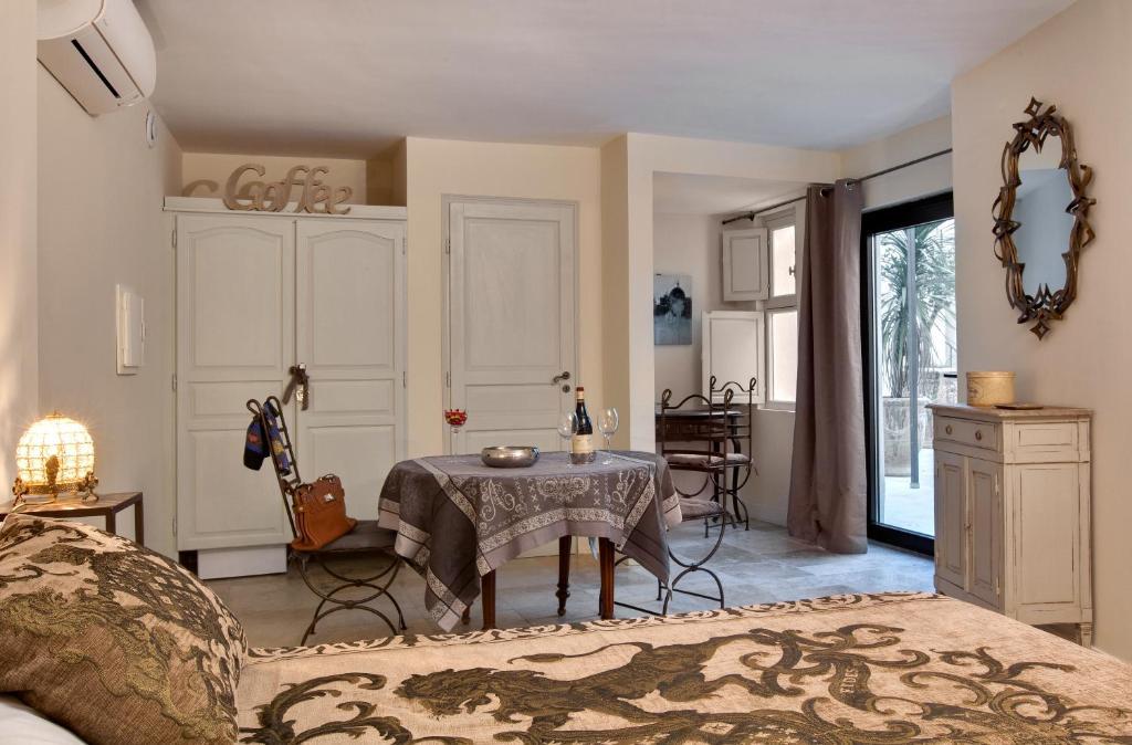 Küchenzeile Avignon ~ aux augustins avignon informationen und buchungen online viamichelin