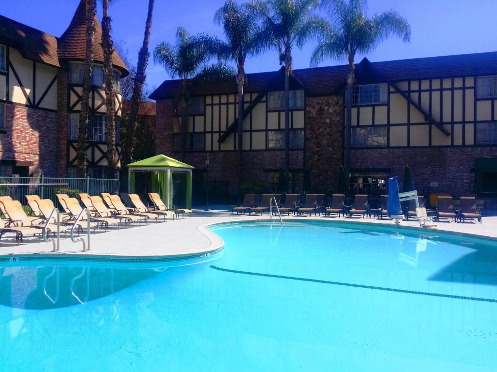 caption caption caption - Majestic Garden Hotel Anaheim