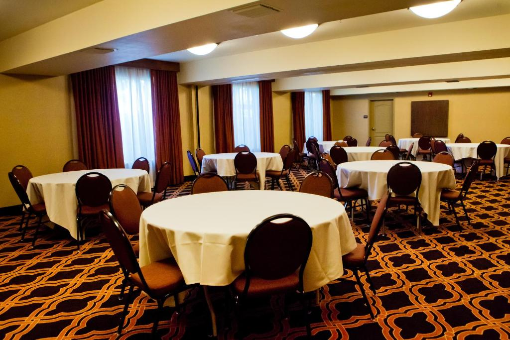 Restaurants With Private Rooms Fresno Ca