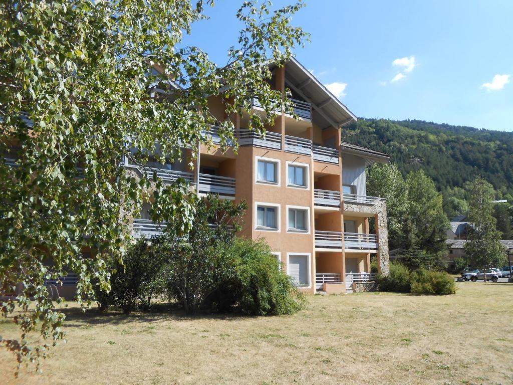 Les chalets du jardin alpin brian on book your hotel - La salle les alpes office du tourisme ...