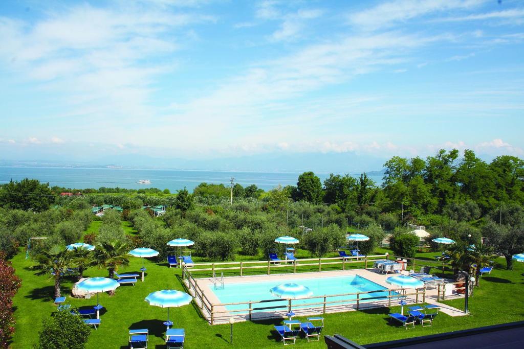 Hotel il giardino degli ulivi castelraimondo u holidaycheck