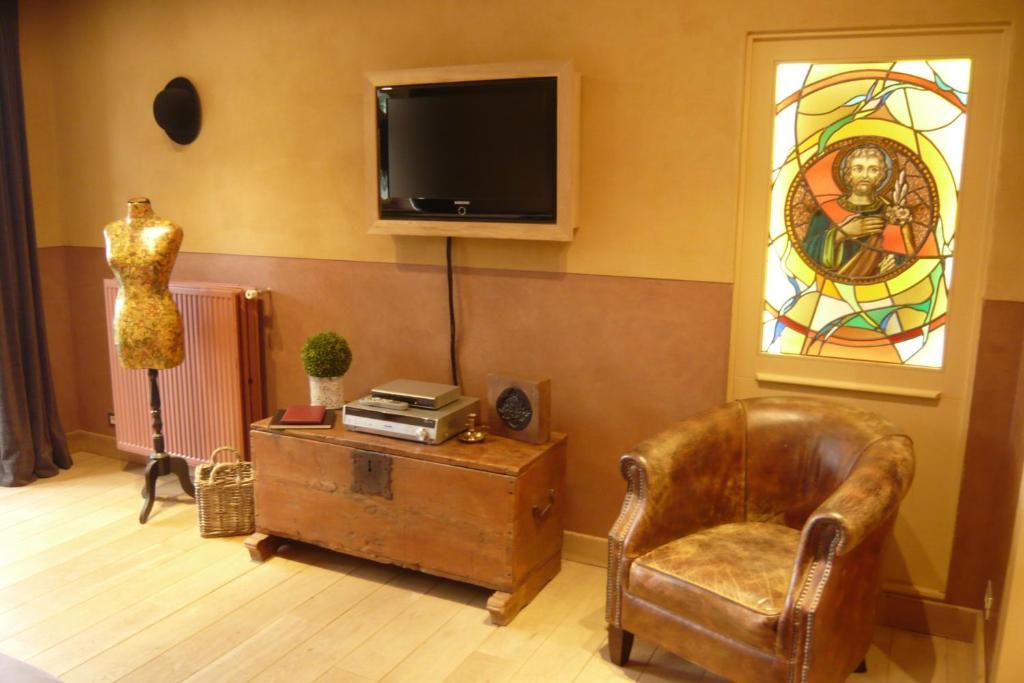 b b het verloren gedicht r servation gratuite sur. Black Bedroom Furniture Sets. Home Design Ideas