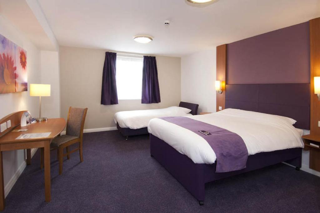 Hotel Rooms For  People Manchester