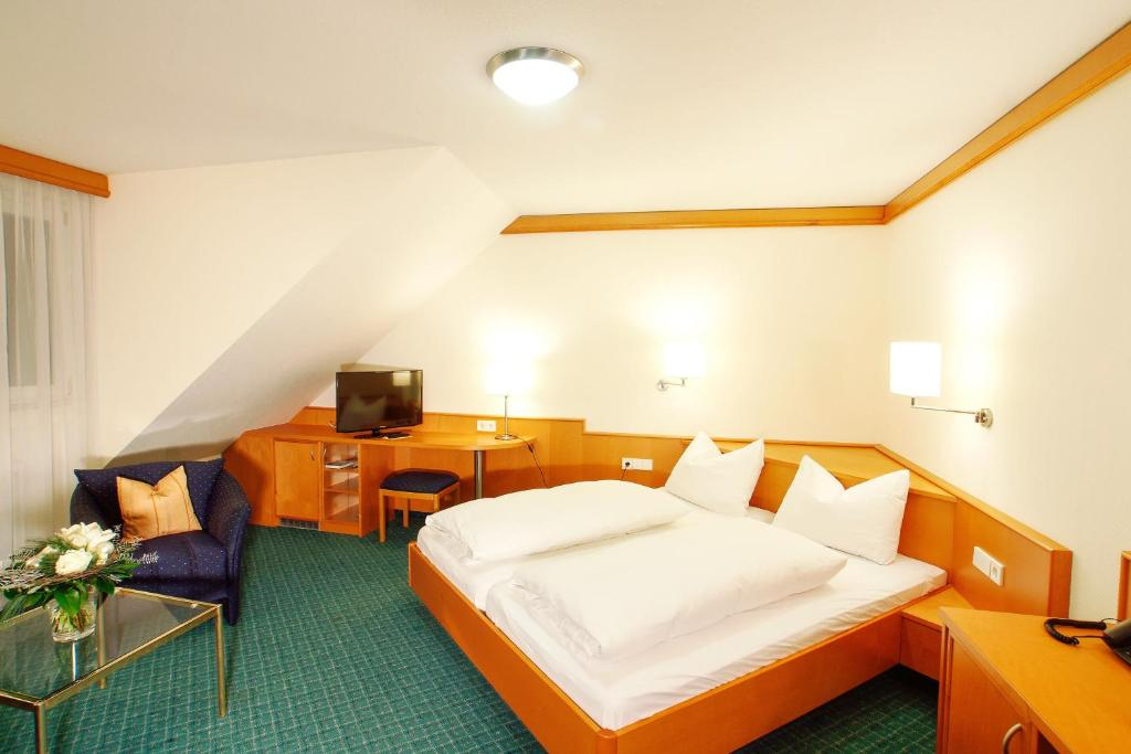 hotel winzerstube ihringen online booking viamichelin. Black Bedroom Furniture Sets. Home Design Ideas