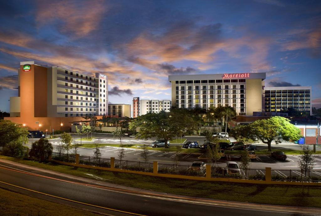 Miami Airport Hotels With Free Shuttle