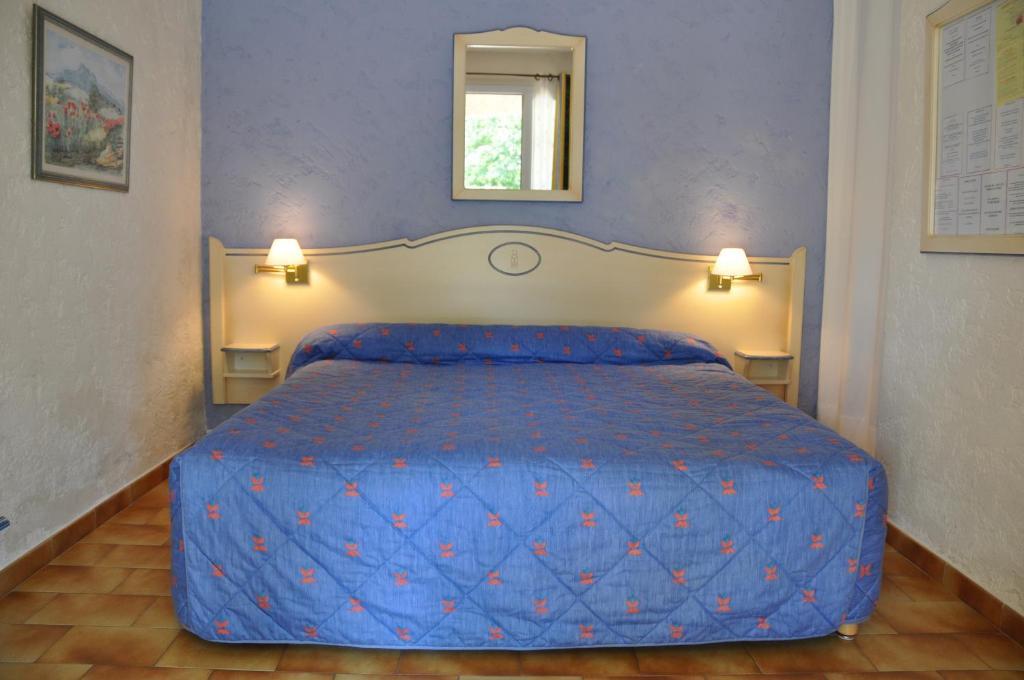la cigali re le beausset reserva tu hotel con viamichelin. Black Bedroom Furniture Sets. Home Design Ideas