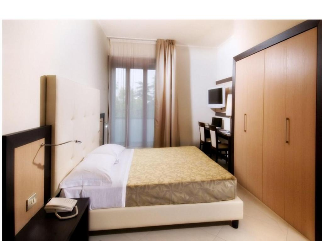 Booking Suite Hotel Elite Bologna