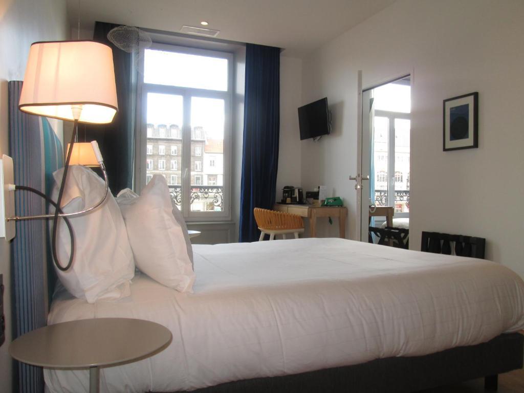 Booking Hotel Le Lion Clermont Ferrand
