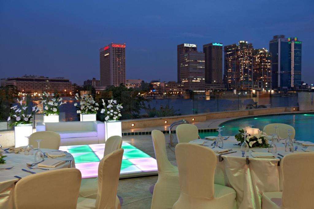Hilton cairo zamalek residences cairo book your hotel for Terrace hilton zamalek