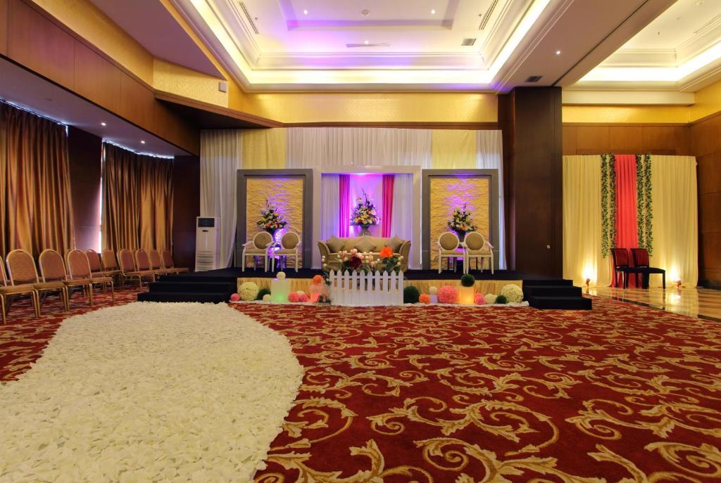 Best western mangga dua hotel residence jakarta junglespirit Gallery