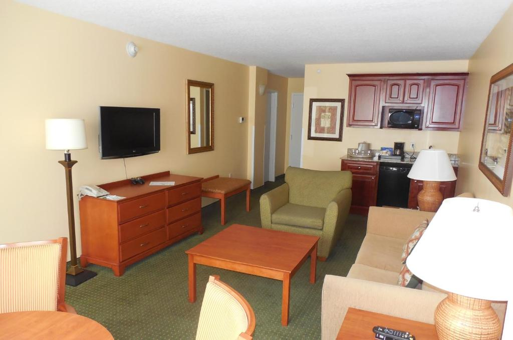 Holiday Inn Hotel Suites Clearwater Beach South