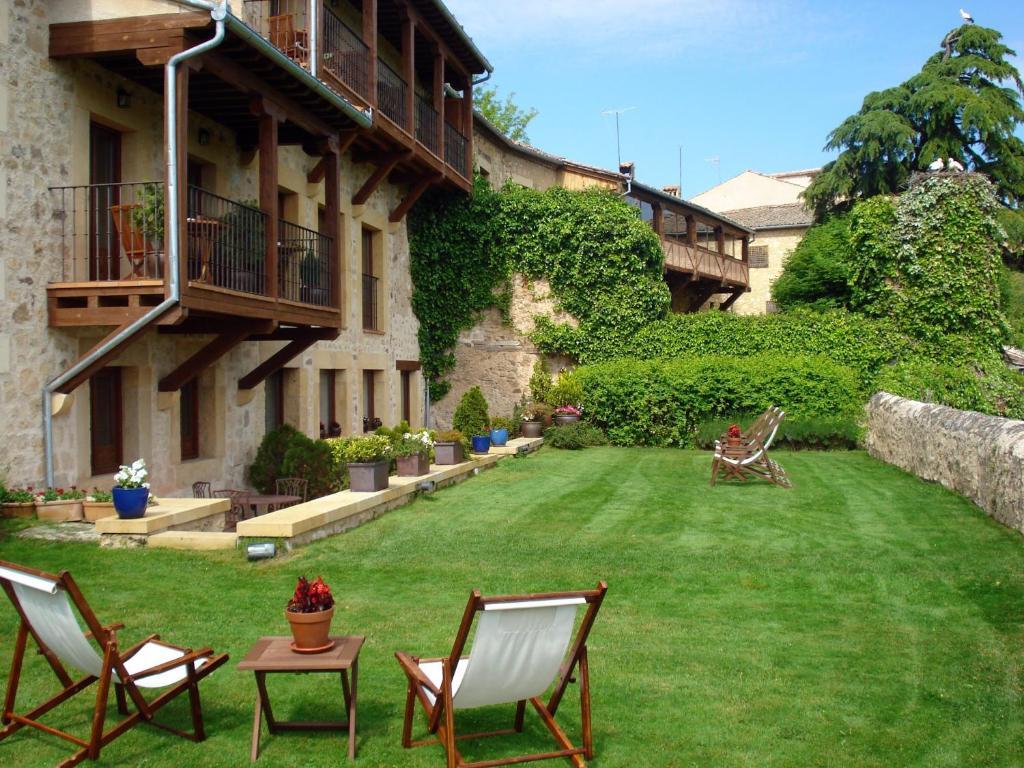 Hospederia de santo domingo r servation gratuite sur - Salon de jardin hesperide santo pietro ...