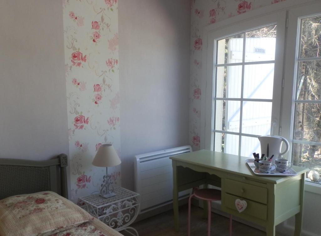 chambre d 39 hotes floralia les no s pr s troyes prenotazione on line viamichelin. Black Bedroom Furniture Sets. Home Design Ideas