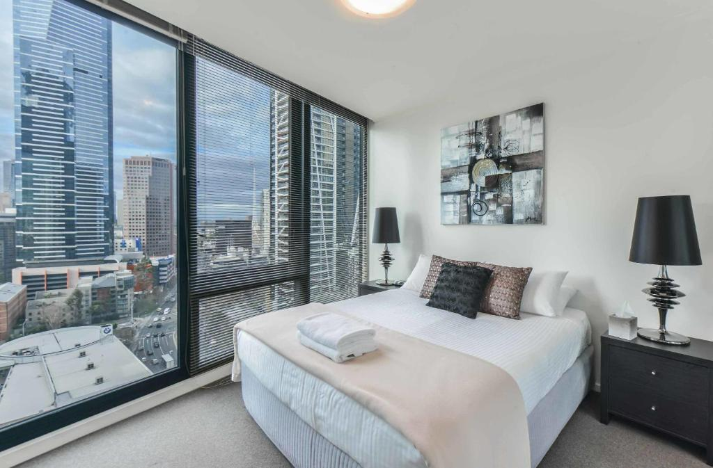 Cityviews 3 Bedroom Apartment Staycentral Apartment Melbourne