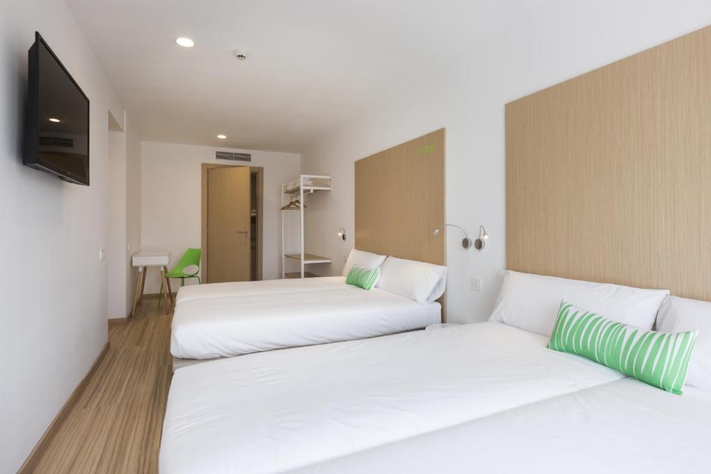 Smartroom barcelona barcellona prenotazione on line for Barcellona albergo economico