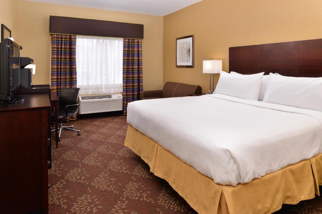 Hilton Garden Inn Cincinnati/Sharonville   Sharonville   Book Your Hotel  With ViaMichelin
