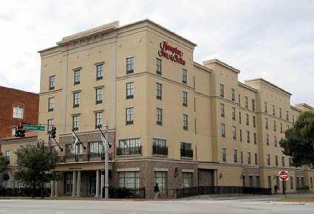 Hotels With Smoking Rooms Savannah Ga