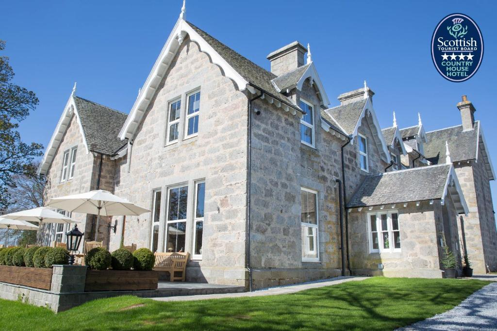 Muckrach Country House Hotel Grantown On Spey Book