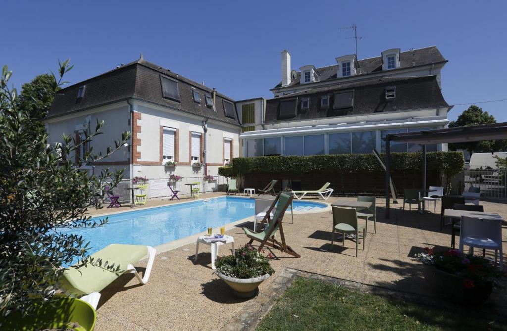 Hotel Bourges Booking