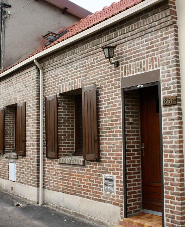 La maison orange 2 r servation gratuite sur viamichelin for Garage auto bully les mines