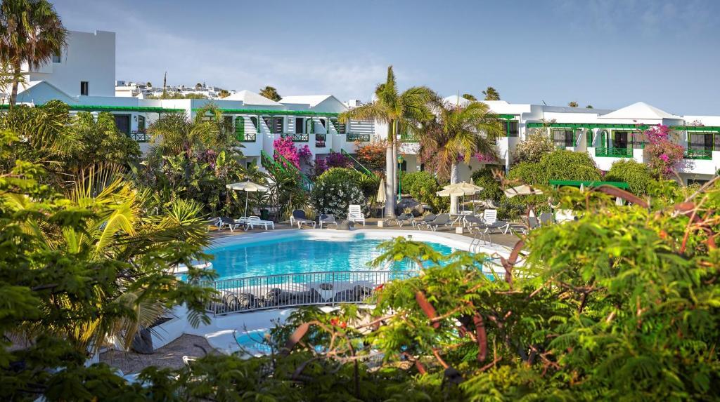 Apartamentos hg lomo blanco t as online booking - Car rental puerto del carmen ...