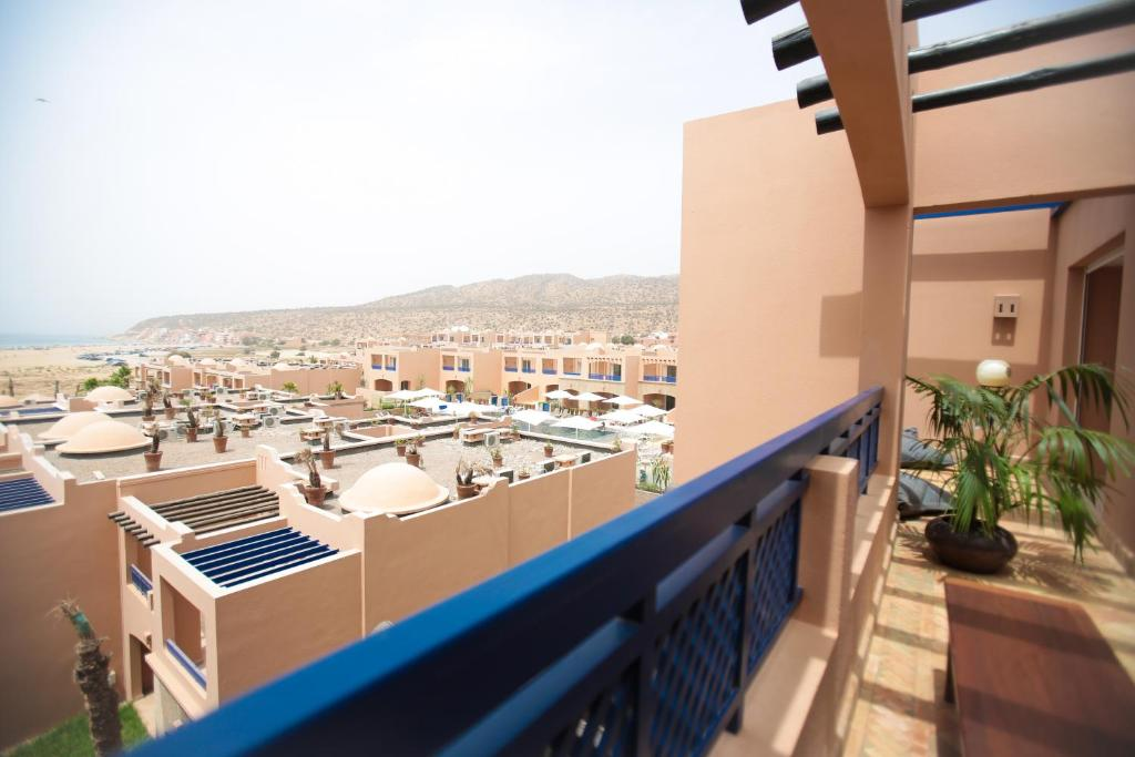 Aparthotel by paradis plage taghazout reserva tu hotel for Aparthotel con piscina privada