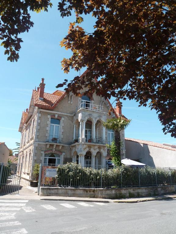Chambres DHtes LInsulaire Bed  Breakfast SaintDenis DOlron