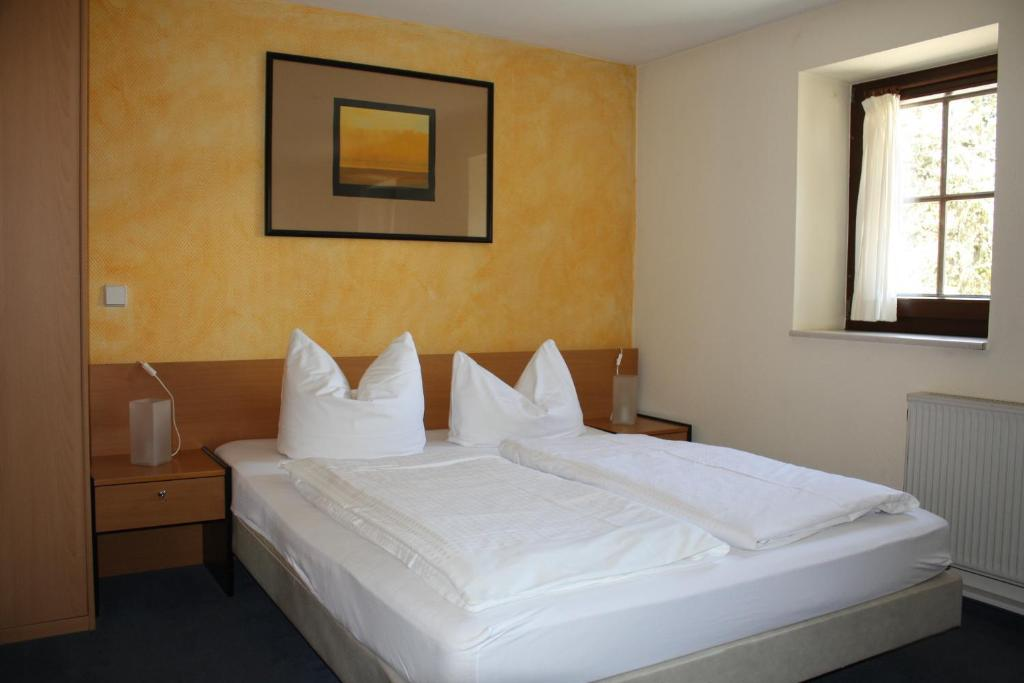 Landhotel Lindenschänke, Bed & Breakfasts Rockau