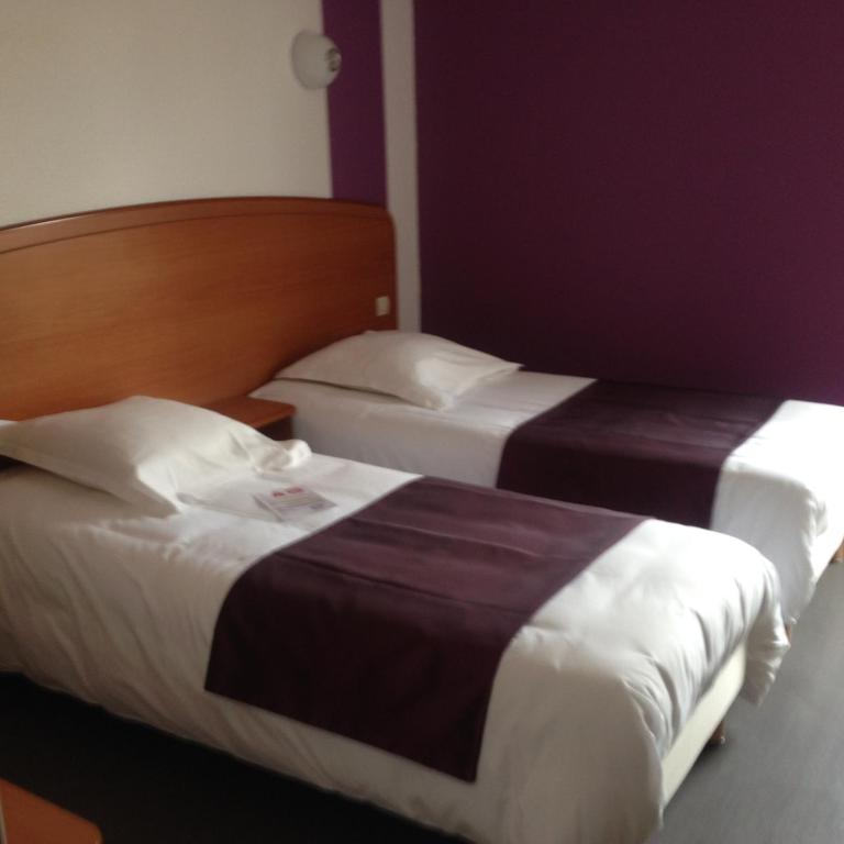 Family Room In Hotel In Troyes