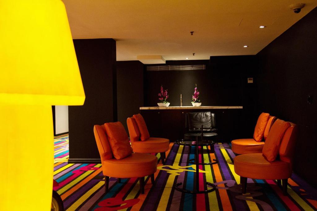 cambridge hotel sydney r servation gratuite sur viamichelin. Black Bedroom Furniture Sets. Home Design Ideas