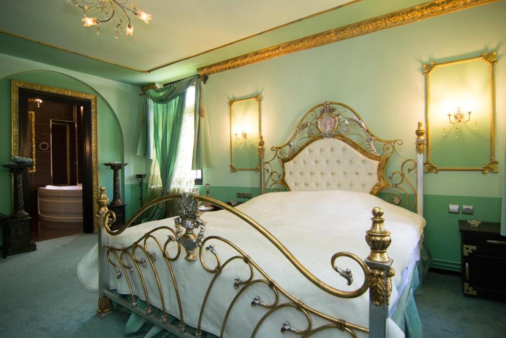 Casa Cu Farfurii, Bed & Breakfast Sinaïa