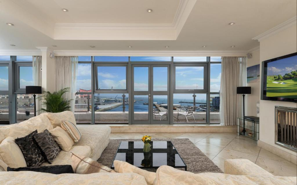 Luxury City Center Penthouse Apartment Galway