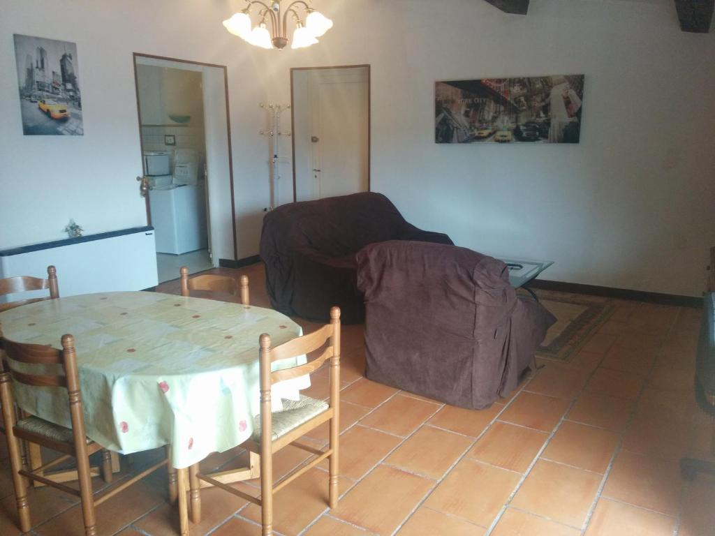 h tel restaurant douce france saint ambroix reserva tu hotel con viamichelin. Black Bedroom Furniture Sets. Home Design Ideas