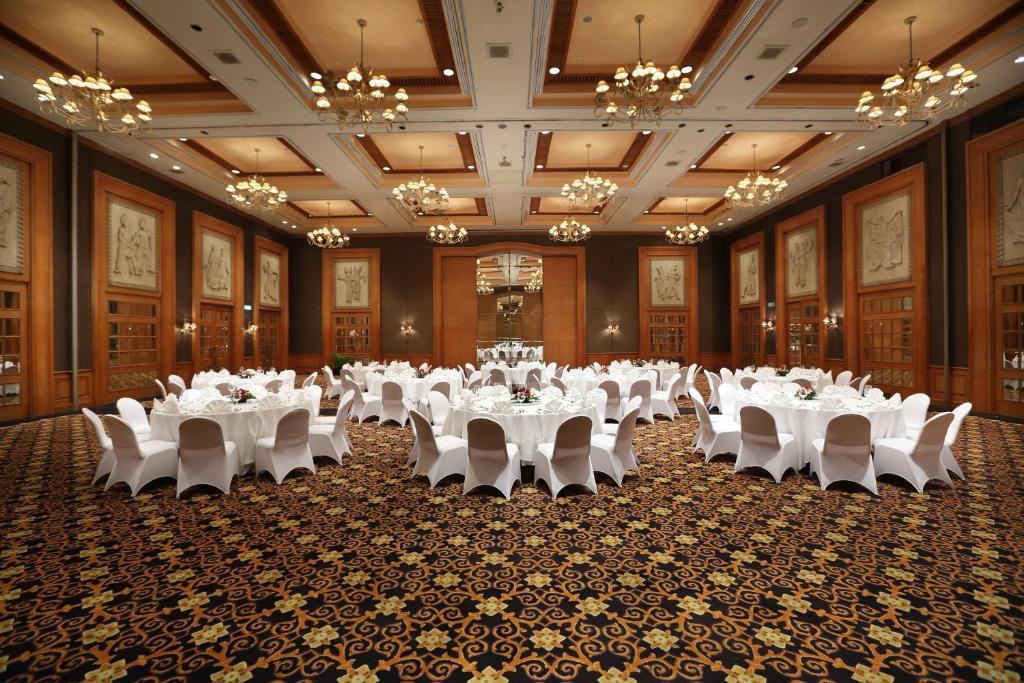 Hotel Aryaduta Jakarta Restaurant